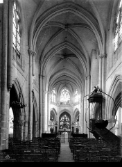 Eglise Saint-Rémy - Nef, vue de l'entrée