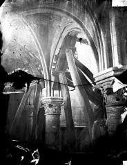 Eglise Saint-Denys - Colonnes, chapiteaux