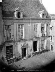 Maison dite de Diane de Poitiers -