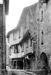 Maison en pans de bois, au nord-ouest de la place du Vieux-Marché -