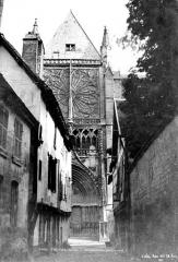 Cathédrale Saint-Pierre Saint-Paul - Transept nord