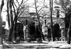 Jardin de la Fontaine - Temple de Diane