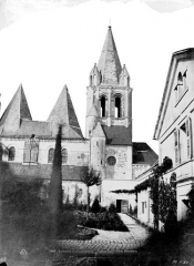 Ancienne collégiale Saint-Ours - Clocher et partie de la façade sud