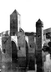Pont Valentré - Vue prise à gauche en amont