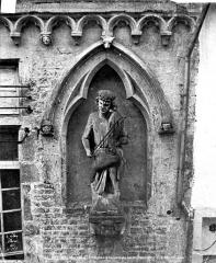 Maison dite des Ménétriers ou des Musiciens - Statue du violoniste