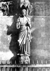 Cathédrale Notre-Dame - Portail du Jugement dernier au transept nord : Christ bénissant au trumeau
