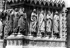 Cathédrale Notre-Dame - Portail central de la façade ouest : ébrasement gauche