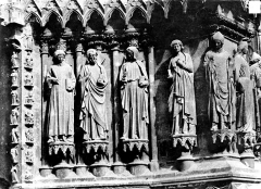 Cathédrale Notre-Dame - Portail nord de la façade ouest : ébrasement droit