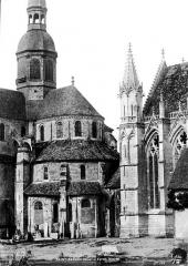 Eglise et chapelle - Abside de l'église et Sainte-Chapelle, vues du sud-est