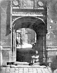 Ancien archevêché ou ancien palais archiépiscopal - Petit portail (partie basse du panorama)