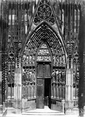 Cathédrale Notre-Dame - Portail nord de la façade ouest