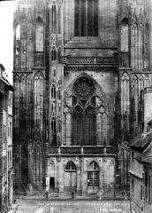 Cathédrale Notre-Dame - Clocher : Partie inférieure, côté sud