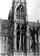 Cathédrale Saint-Etienne - Façade nord : Fenêtres de la tour