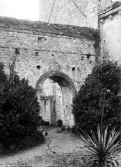 Eglise Saint-Eusèbe - Mur carolingien