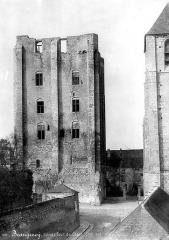 Donjon quadrangulaire, dit Tour de César - Côté sud