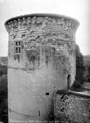 Château fort, actuellement collège - Tour Talbot, partie supérieure