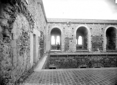Château fort, actuellement collège - Grande salle