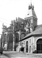 Eglise Saint-Gervais-Saint-Protais - Côté de l'abside
