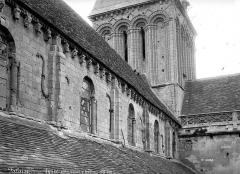 Eglise Saint-Gervais-Saint-Protais - Entablement fenêtres côté sud