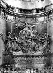 Eglise Notre-Dame de Guibray - Groupe, sur l'autel
