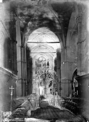 Eglise Saint-Maclou - Nef, vue du choeur