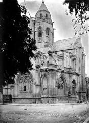 Ancienne église de Saint-Etienne-le-Vieux, actuellement magasin communal - Ensemble