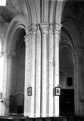 Eglise - Piliers de la nef