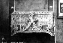 Eglise - Linteau de la porte de la sacristie