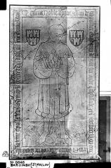 Eglise Saint-Maclou - Pierre tombale en pierre noire à l'effigie de Jean de Moustier, capitaine de Bar-sur-Aube, mort en 1443