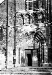 Eglise Saint-Genès (anciennement église prieurale Saint-Etienne) - Portail ouest
