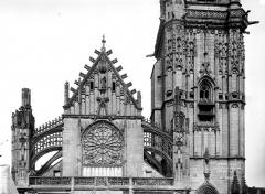 Eglise Saint-Martin (ancienne collégiale) - Façade ouest, partie supérieure