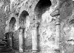Ancienne abbatiale Saint-Pierre de Flavigny - Arcatures aveugles, extérieur