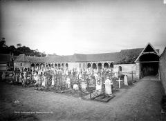 Cimetière - Cloître, cimetière