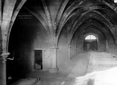 Ancienne abbaye de Noirlac - Grange intérieur