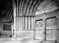 Ancienne cathédrale (église Notre-Dame) et ses annexes - Porche