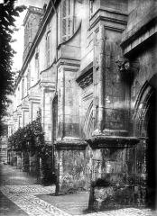 Ancienne abbaye de Saint-Martin - Cloître, vue perspective
