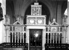 Eglise - Clôture de chapelle