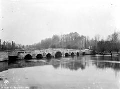 Pont sur la Seine -