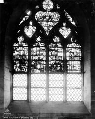 Eglise de la Madeleine et ancien cimetière - Vitrail