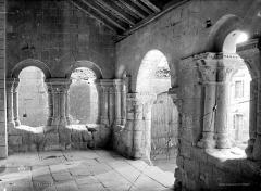 Eglise Notre-Dame - Porche, intérieur