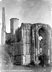 Ruines du château et de la collégiale des Roches-Tranchelion - Ensemble ouest