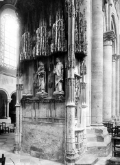 Cathédrale Saint-Etienne - Edicule la nef
