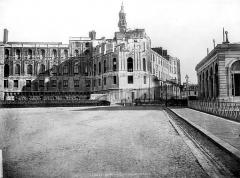 Domaine national de Saint-Germain-en-Laye, actuellement Musée des Antiquités Nationales - Façade nord-ouest, pavillon nord