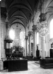 Ancien Collège des Jésuites ou grand séminaire - Chapelle, nef vue de l'entrée