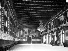 Ancien évêché ou Palais du Tau - Salle synodale : Vue intérieure vers le sud