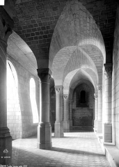 Ancien évêché ou Palais du Tau - Passage voûté
