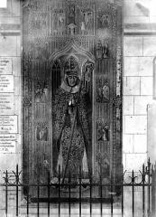 Eglise Sainte-Croix - Pierre tombale