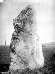 Menhir dit Pierre de Gargantua -