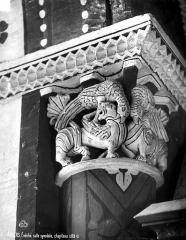 Ancien évêché ou Palais du Tau - Chapiteau