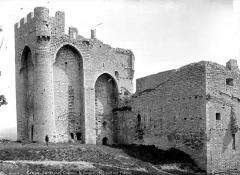 Château (ruines) - Côté sud-est